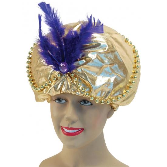 Gouden tulband met paarse veer
